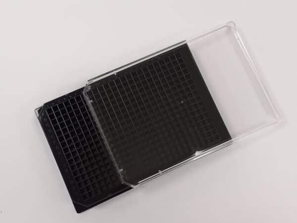Black glass bottom 384 well plate with lid